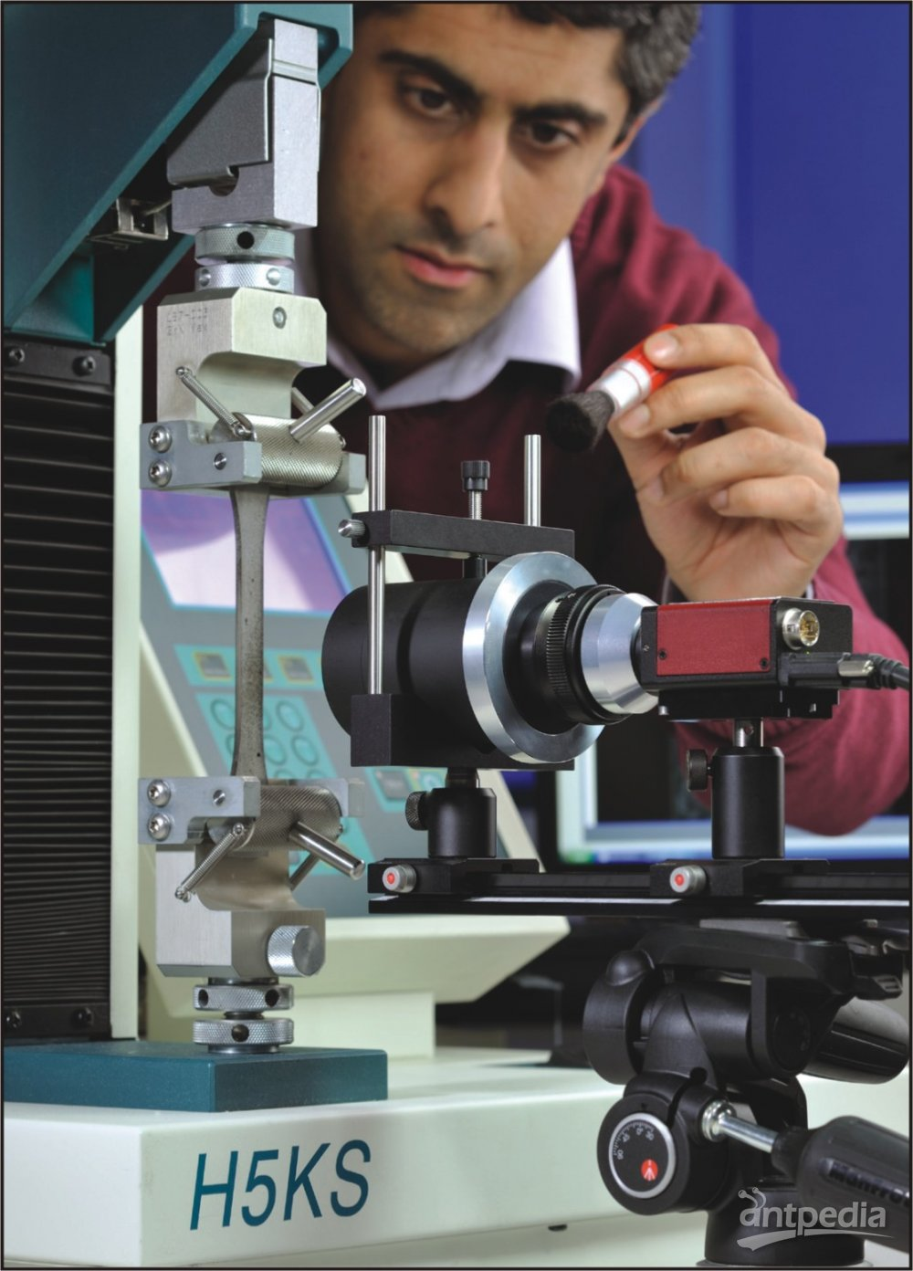 HESC型视频引伸计测量塑料或金属试样