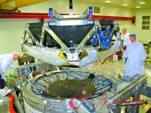 """正在组装中的""""阿尔法磁谱仪2""""太空粒子探测器。"""